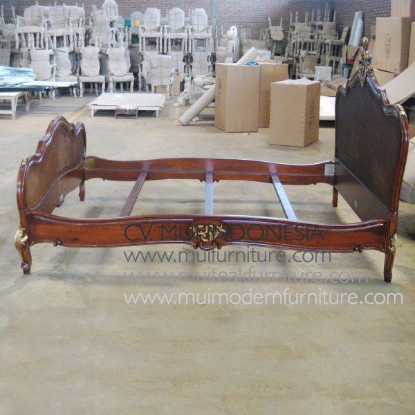 Antony Bed Antique, Size Queen 160D x 200D cm