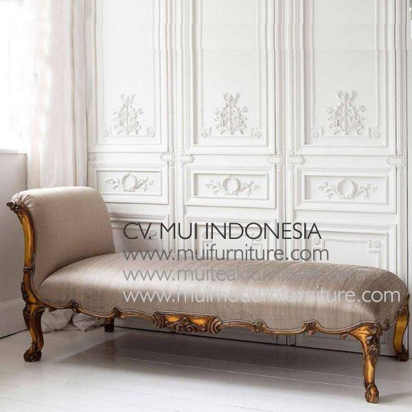Carved French Chaise Longue