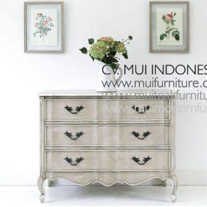 Fawn Grey 3-Drawer Chest