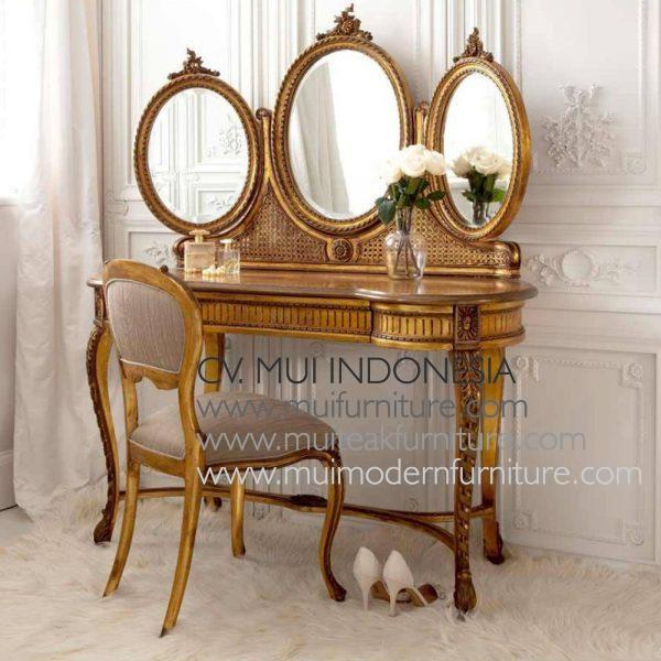 Gold Gilt French Dressing Table