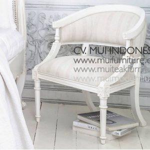 Antique White Upholstered ChairW60 x D63 x H82cm