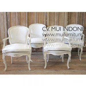 CENTURY LOUIS XV STYLE CARVED ARM CHAIRS