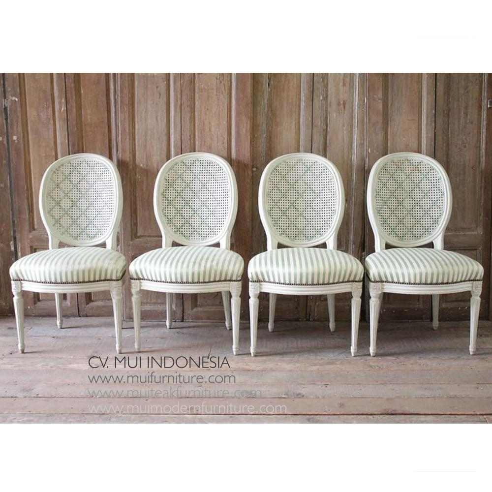 Wondrous Le Set Of Four Louis Xvi Style French Dining Chairs Mui Caraccident5 Cool Chair Designs And Ideas Caraccident5Info